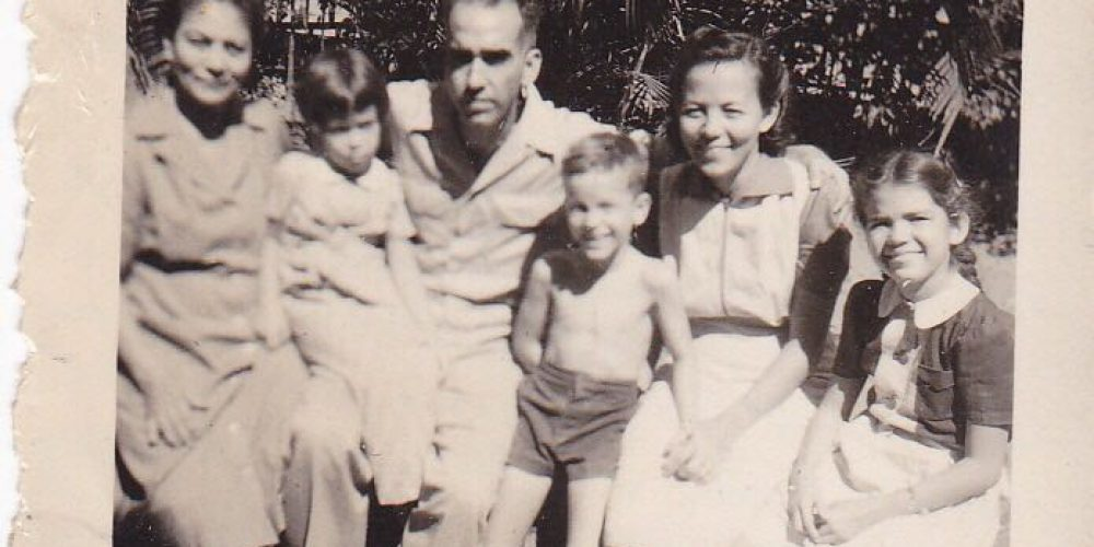 """Nanna """"boek"""" voor ons.. My mother left us more than a book; history Dutch East Indies WWII and Bersiap.."""